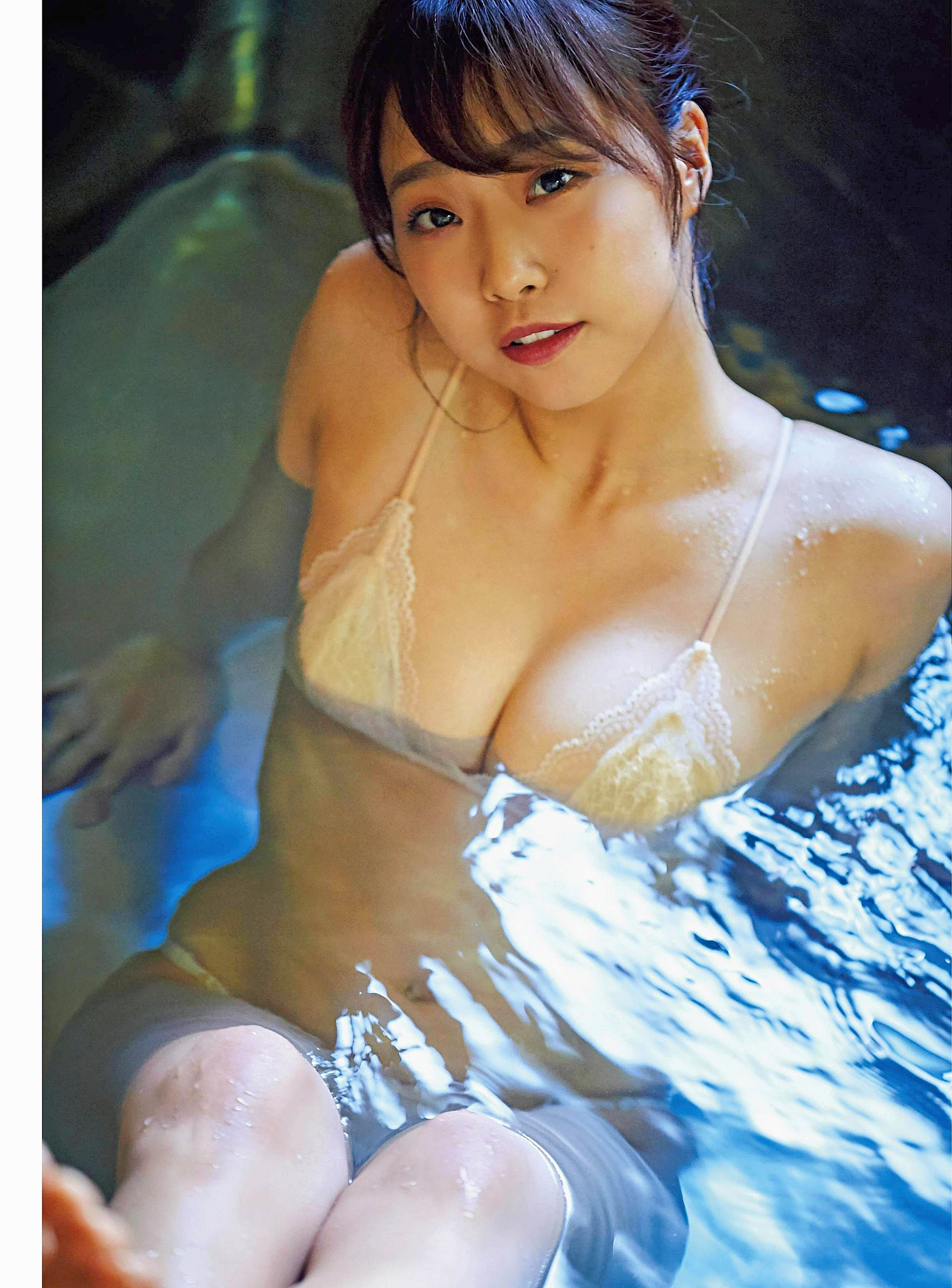 Yuuka Kato NMB48 EnTame 2001 05.jpg