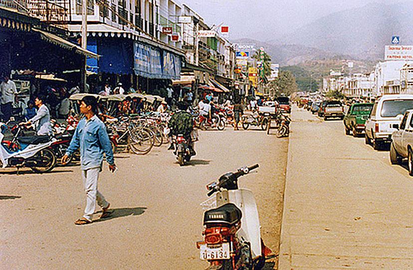 1989 Busy main street of Mae Sai.jpg