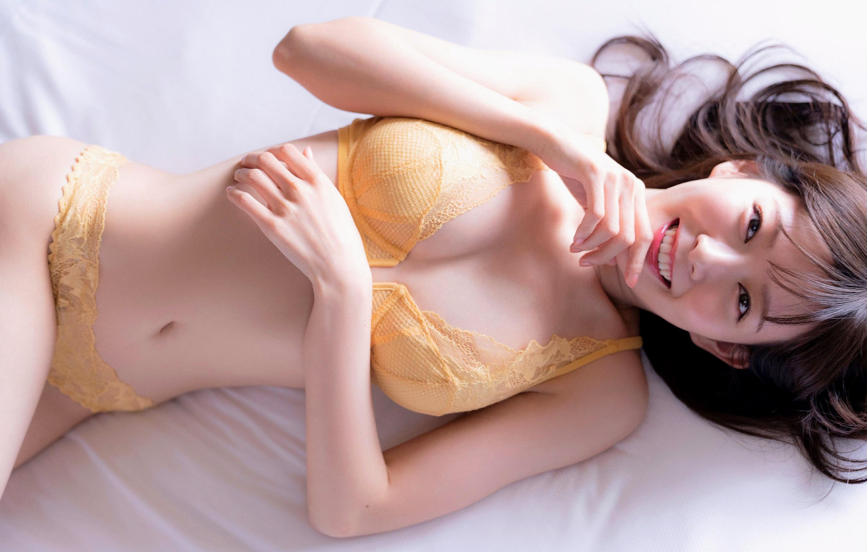 Miyuki Watanabe SPRiNG 12 03.jpg