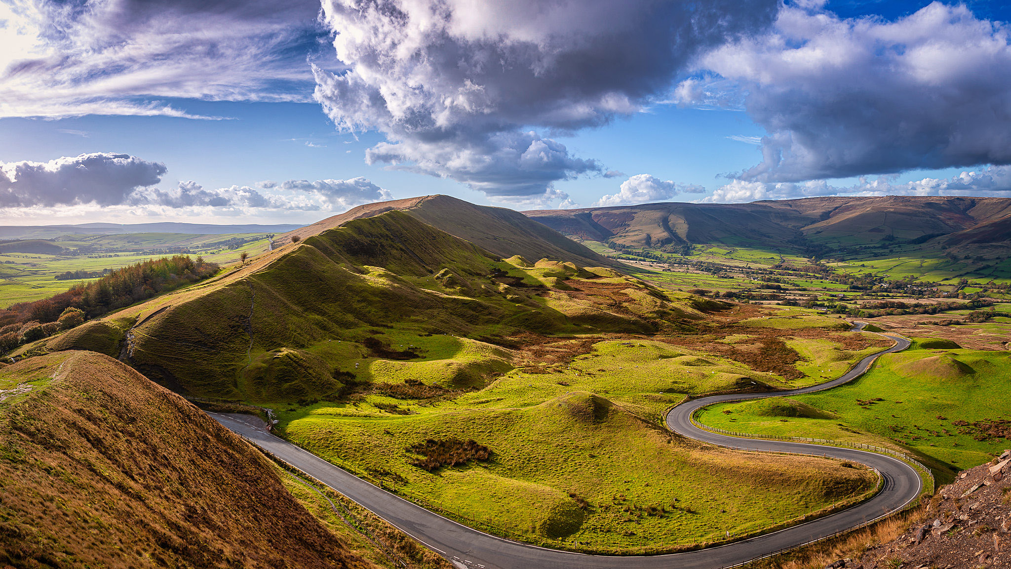 Lords Seat Road, Derbyshire by Peter Basiuk.jpg