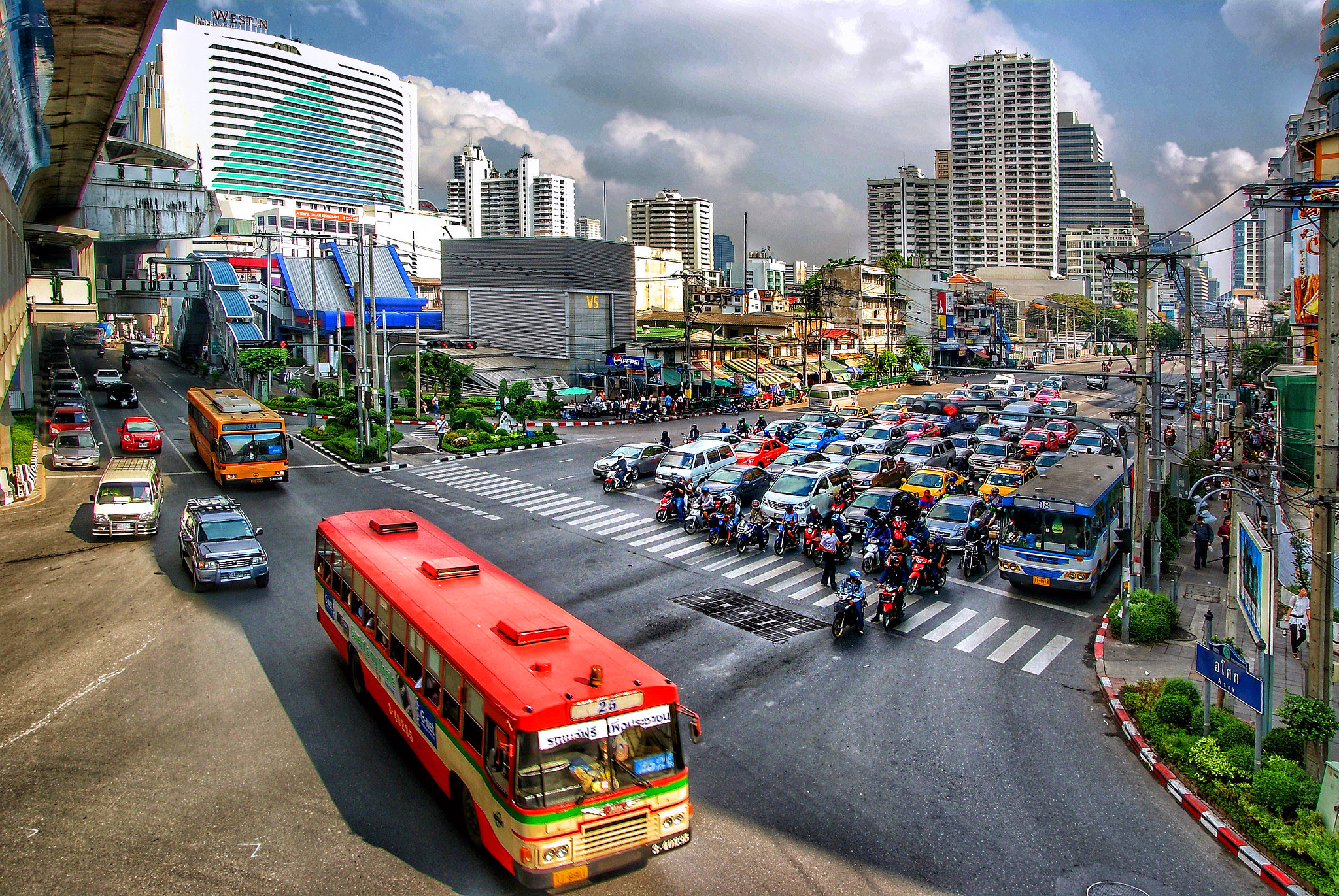 Buzy Bangkok by Bernard Spragg.jpg