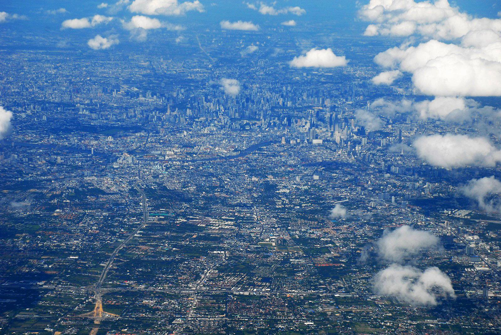 Bangkok from Air by Eric Bohm.jpg