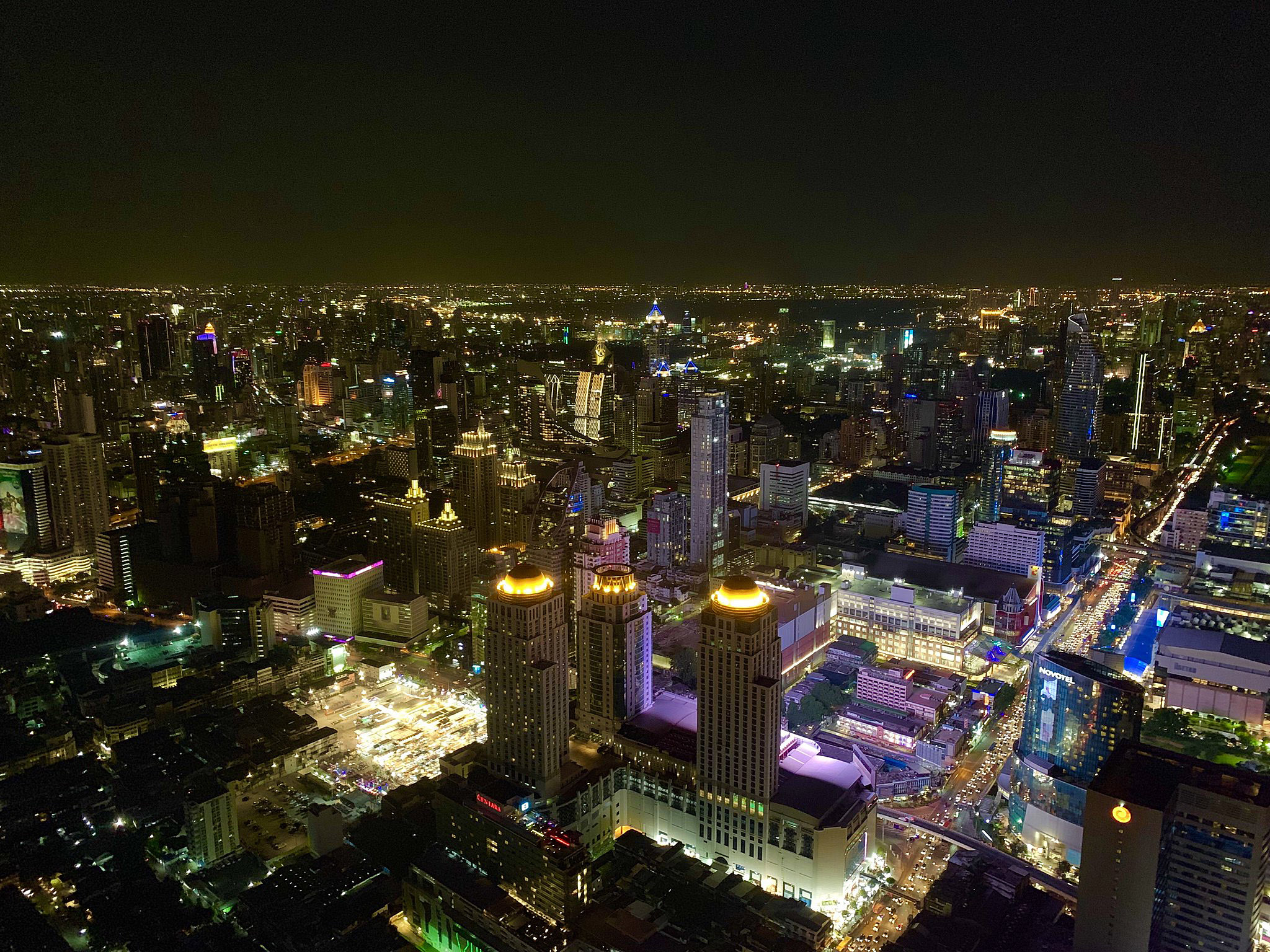 Bangkok from Baiyoke Sky by Doan Ngoc.jpg