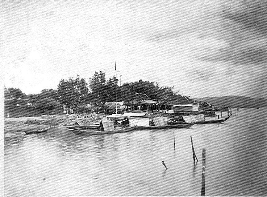 1889 Boats moored in Songkhla waters.jpg