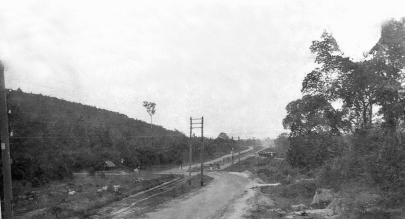 1947 Sonkhla country road.jpg