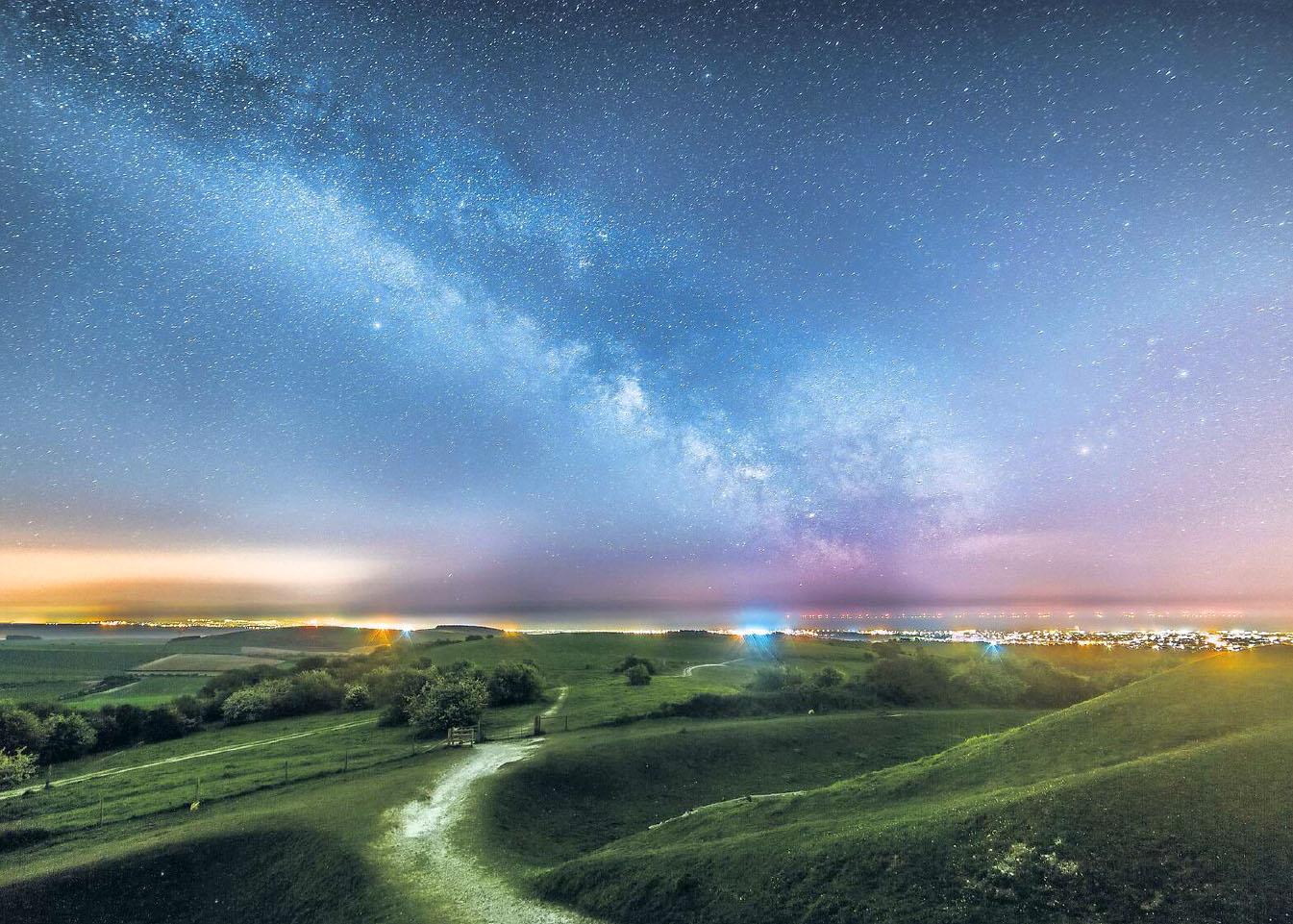 Milky Way from Cissbury by Neil Jones.jpg