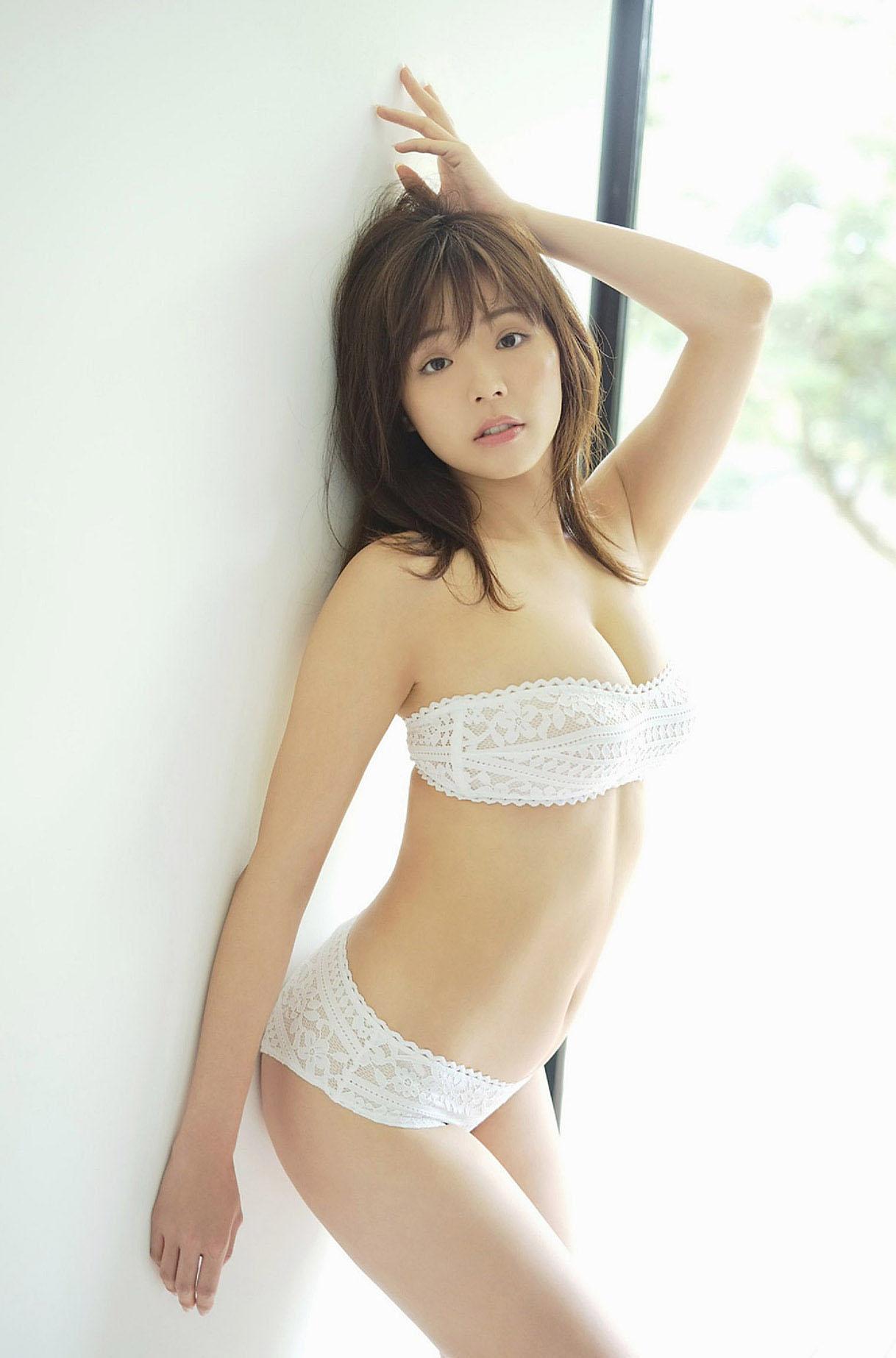 Natsuki Kawamura Shukan D Mag 190920 10.jpg