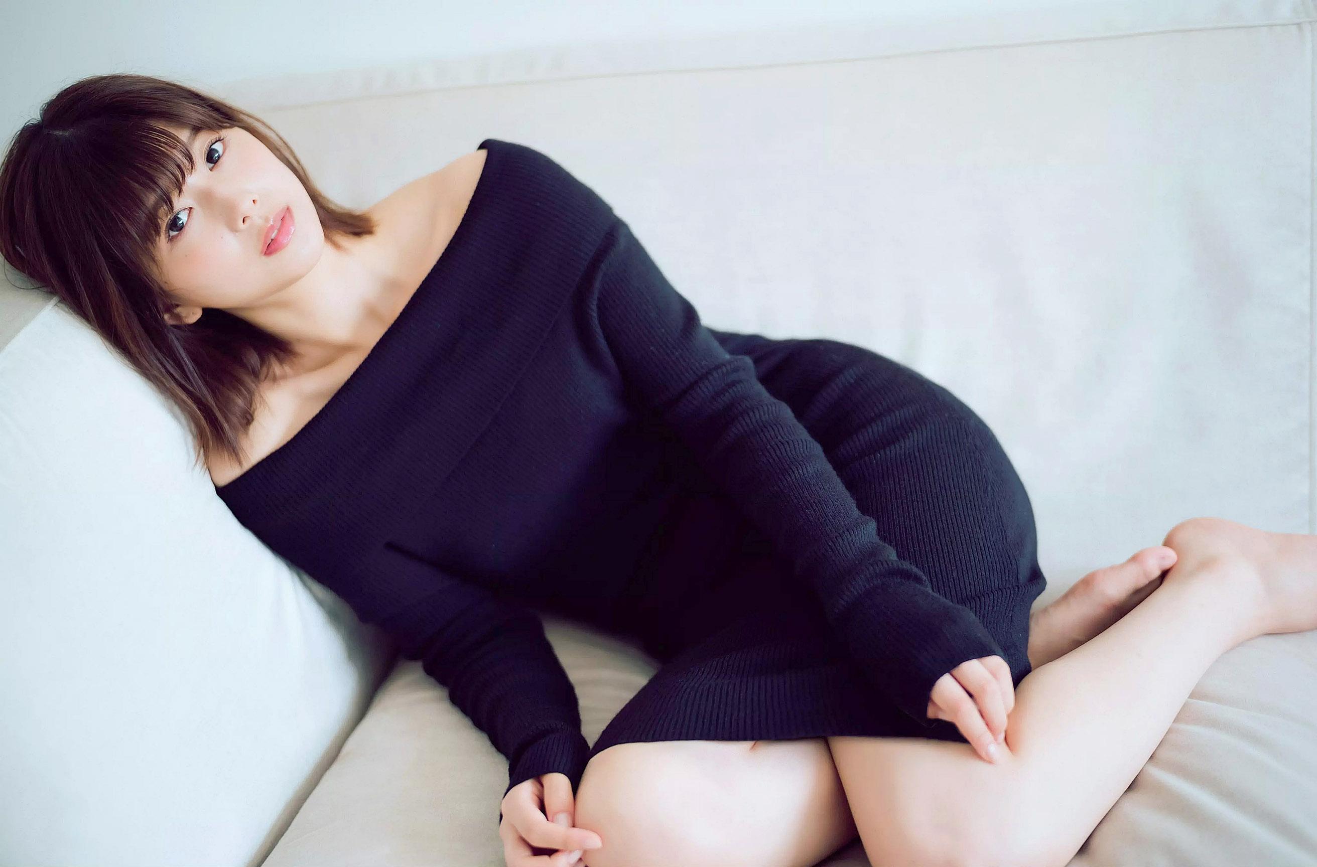 Risa Watanabe Flash 190910 07.jpg