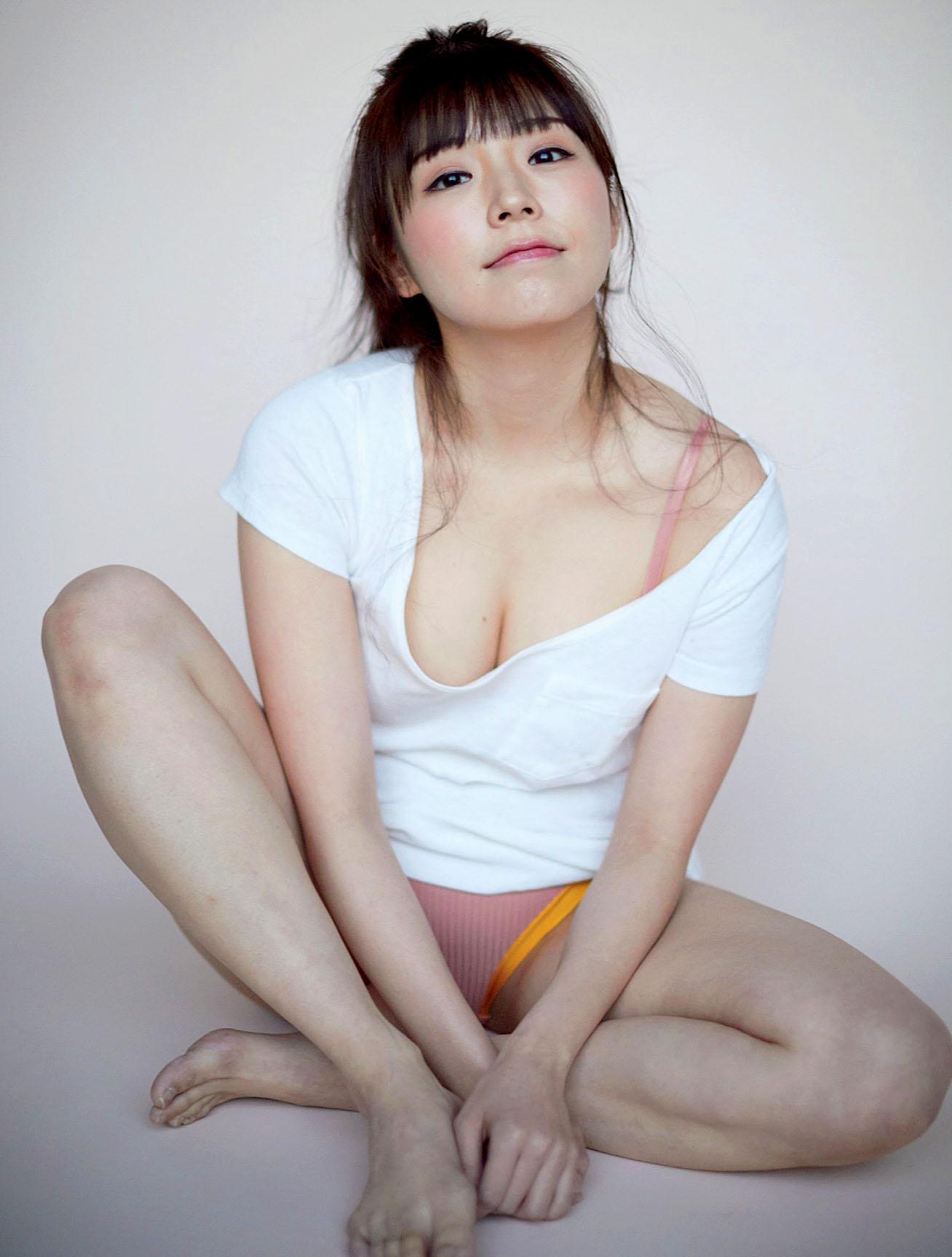 Natsuki Kawamura Flash 210302 03.jpg