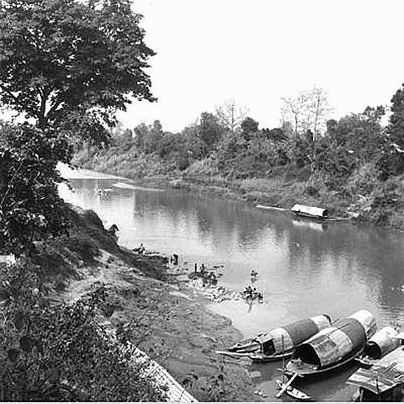 1948 February, Low water season in the Pasak River at Baan Kaeng Khoi, Saraburi Province.jpg