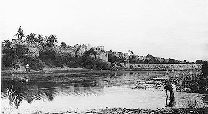 Nakhon Ratchasima walled city, city gate, and moat - images, 1880-1910 3.jpg