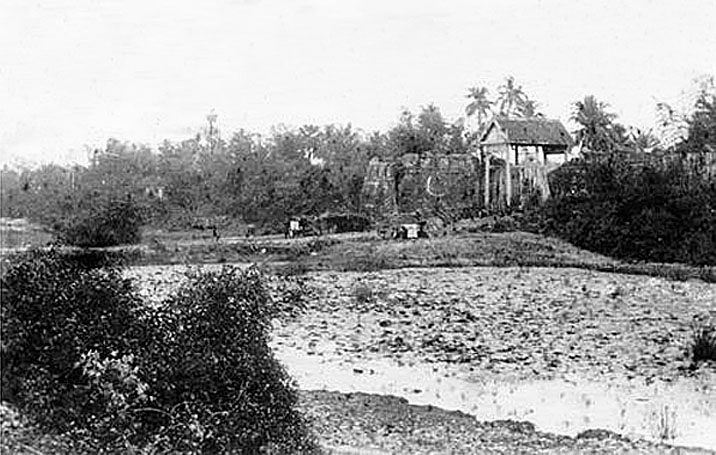 Nakhon Ratchasima walled city, city gate, and moat - images, 1880-1910 4.jpg
