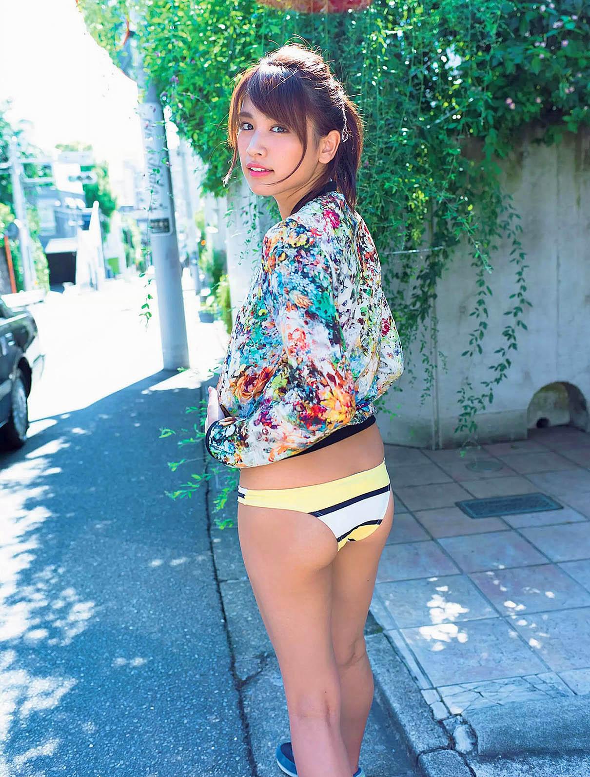 Ikumi Hisamatsu Flash 151103 02.jpg