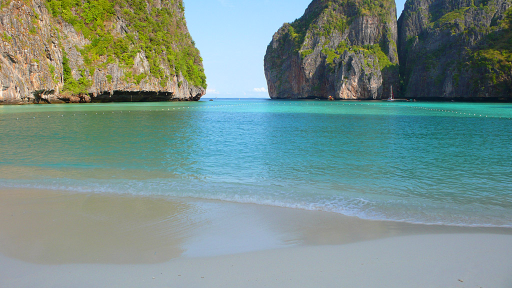 Phi Phi Lay island 3.jpg