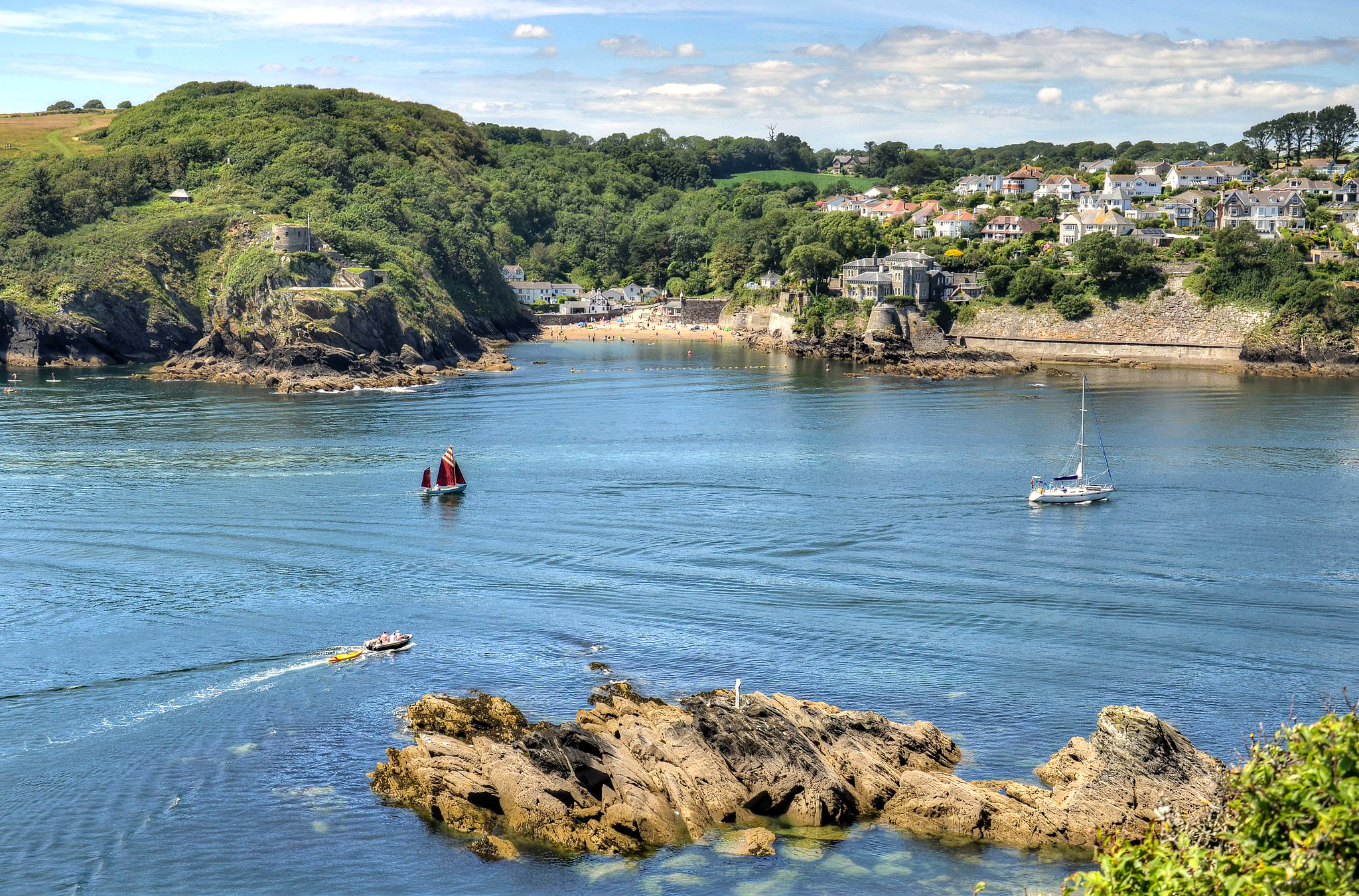 The mouth of the River Fowey, Cornwall by Baz Richardson.jpg