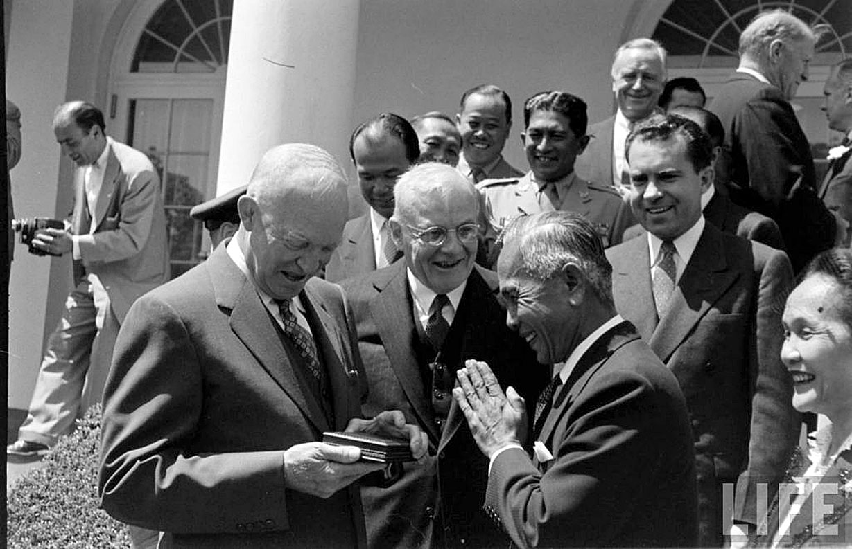 PM Phibun Songkhram in Washington with his mates.jpg