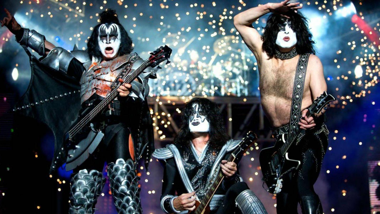 Kiss performing in Milan, Italy, 2008 by Denis O'Regan.jpg