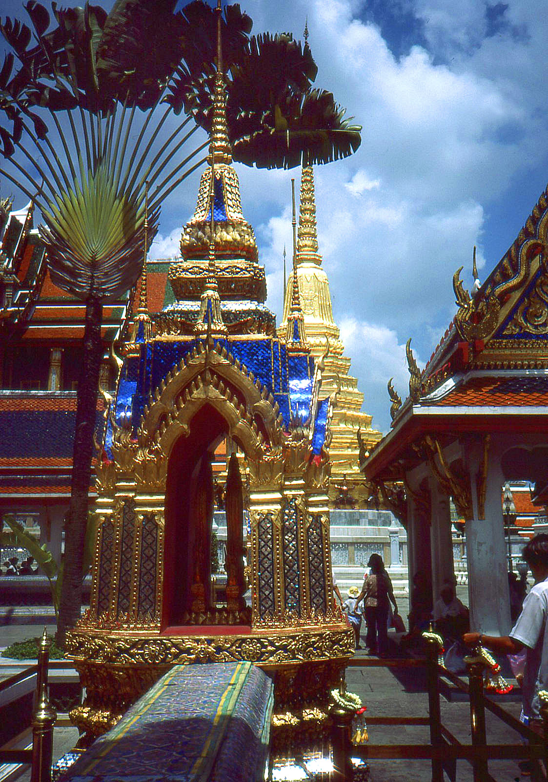 1986 Bangkok by Geoff Whitfield 54.jpg