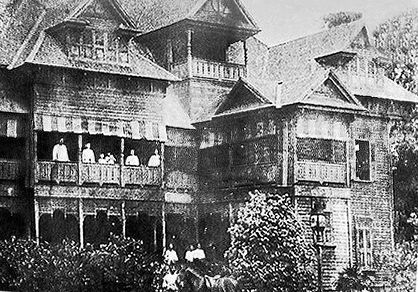 1897 Lanna Royal House, Chiang Mai.jpg