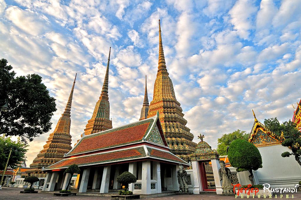 Wat Pho, Bangkok.jpg