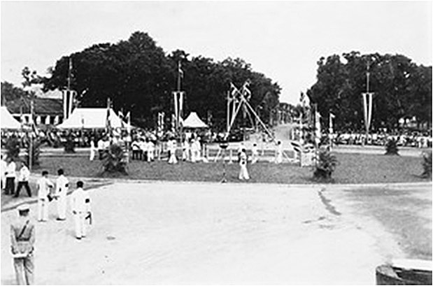 1932 Democracy Monument Groundbreaking.jpg