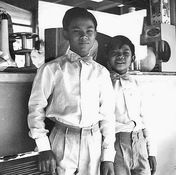 1959 Young waiters at a Chiang Mai cafe.jpg