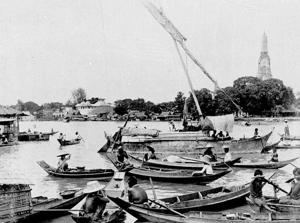 1898 river traffic.jpg