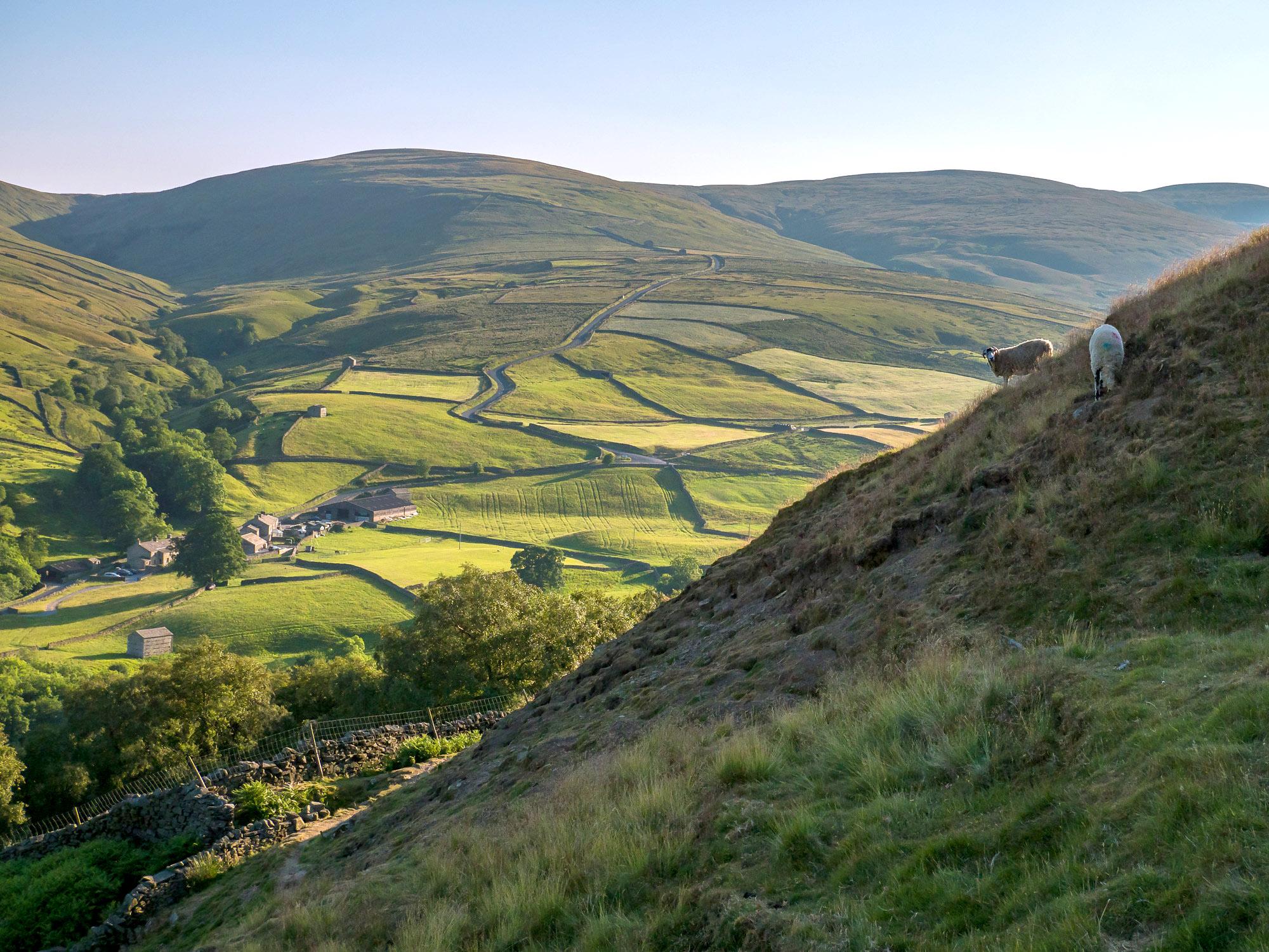 Pennine Way above Thwaite by Bob Radlinski.jpg