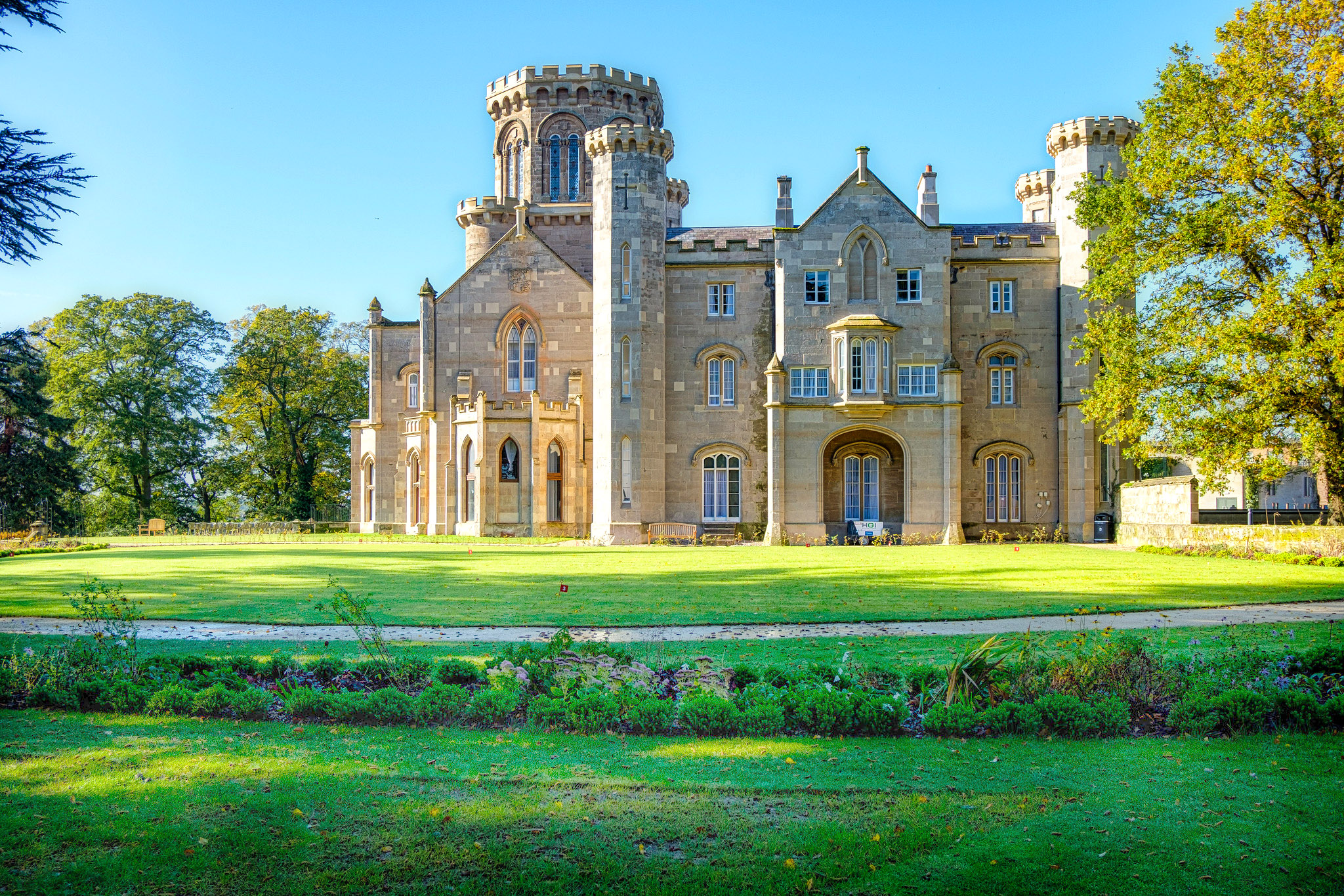 Studley Castle by Colin Grant.jpg