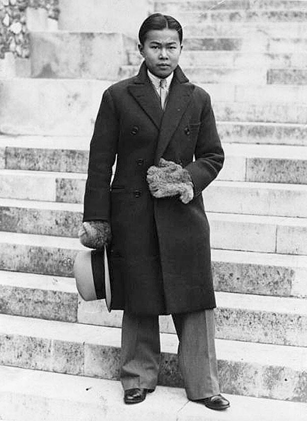 1950 Prince Bhanu of Siam returns to Harrow School {London}.jpg