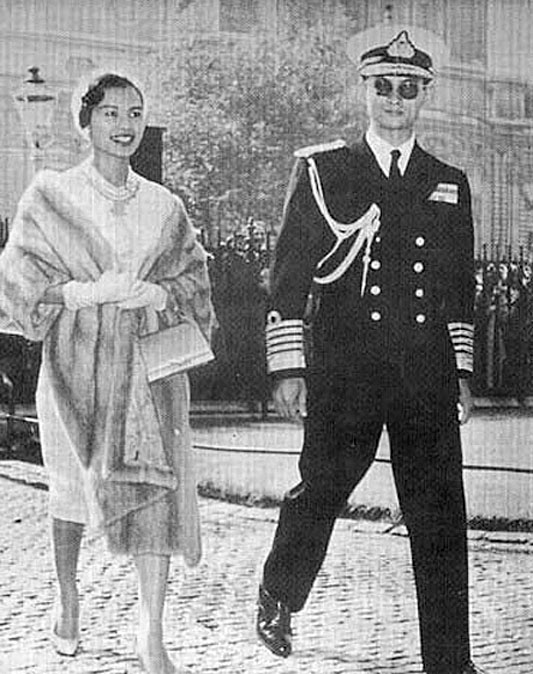 1960 July , HM The King & Queen at Westminster {London}.jpg