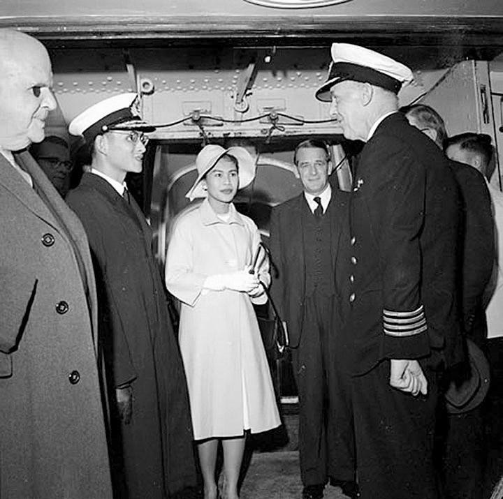 1962 King & Queen in New Zealand aboard 'The Rangatira'.jpg