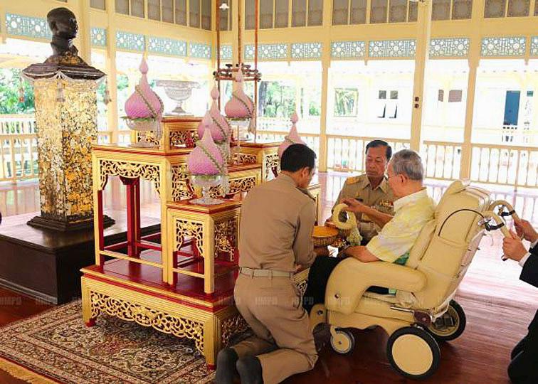 2013 -11-24 Maruekatayawan Palace Cha-am 02.jpg