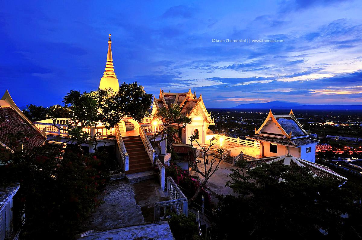 Wat Ram temple, Prachuap Khiri Khan.jpg