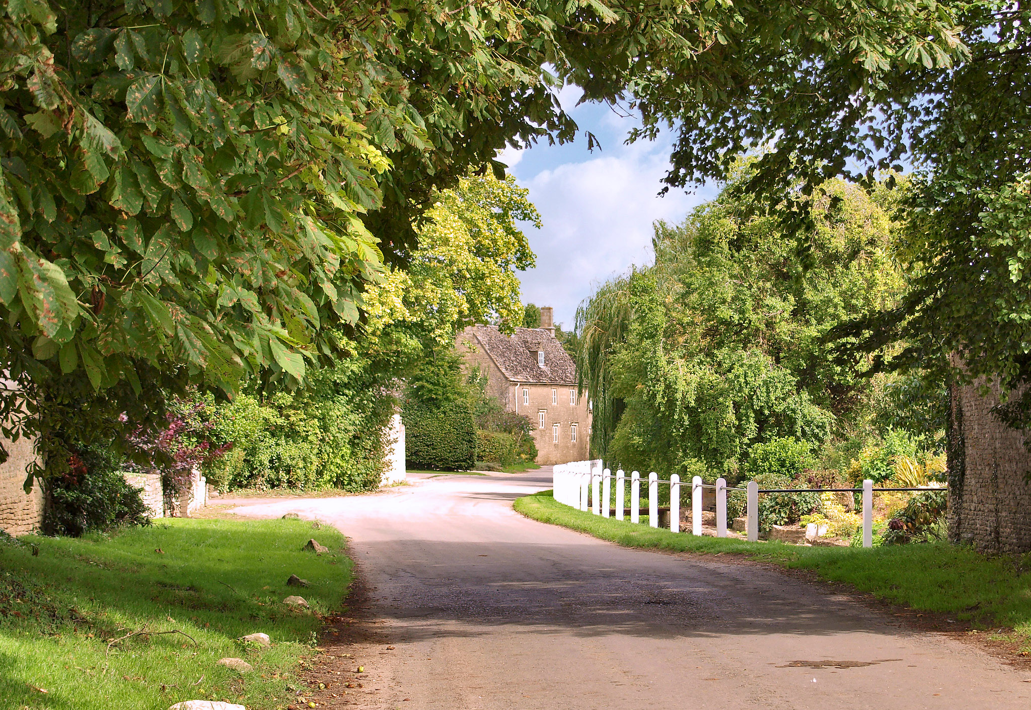 A lane in Kelmscott, deep in rural Oxfordshire by Andrew S Brown.jpg