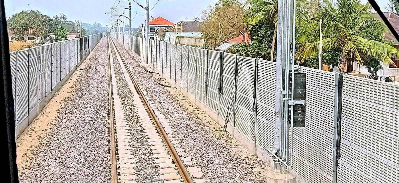 Translaos Rail 2103 07.jpg