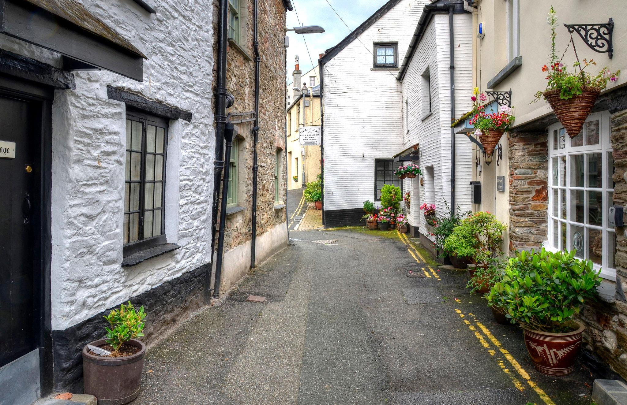 The narrow streets of West Looe, Cornwall by Baz Richardson.jpg