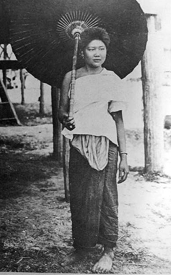 1900 Isaan Portraits 07.jpg