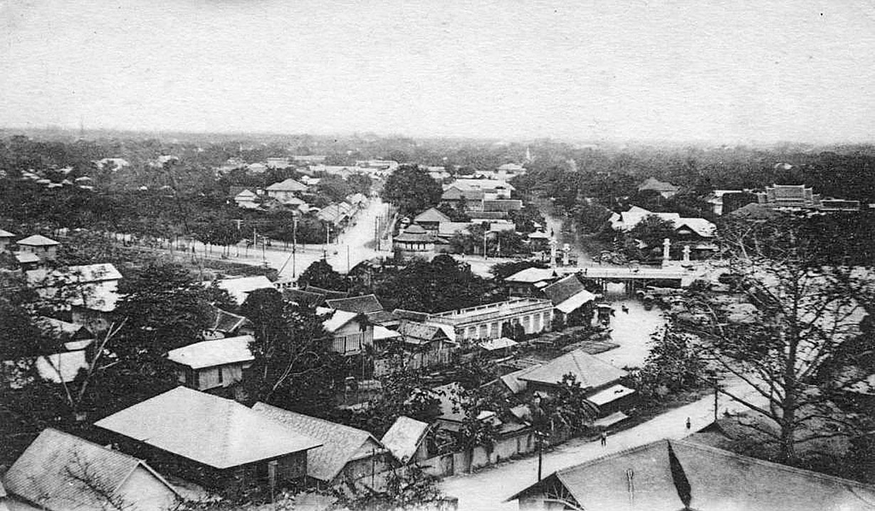 1885 The view looking north from Golden Mount.jpg