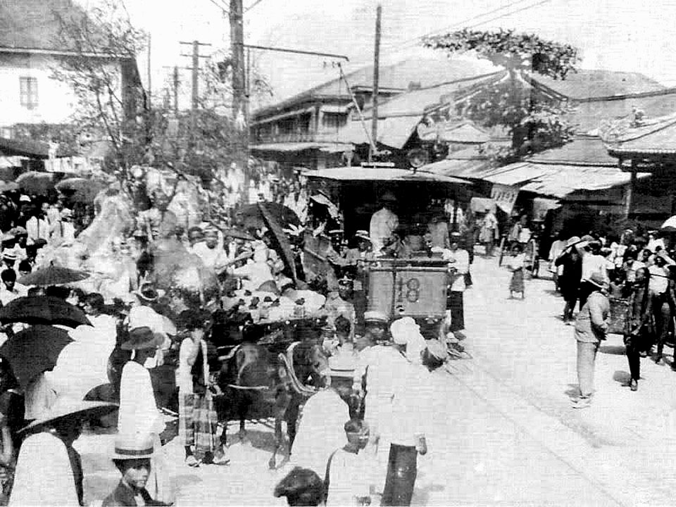 1887 The first electric tram in Bangkok.jpg