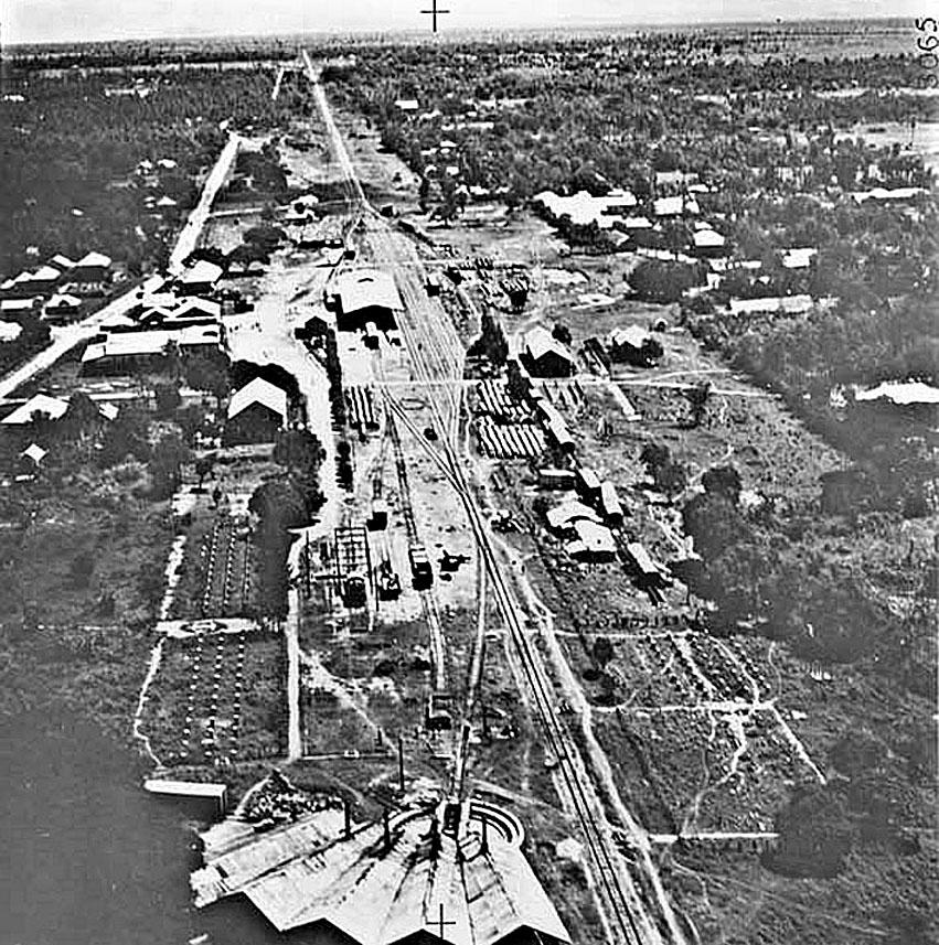 1946 Phitsanuloke Railway Yard.jpg