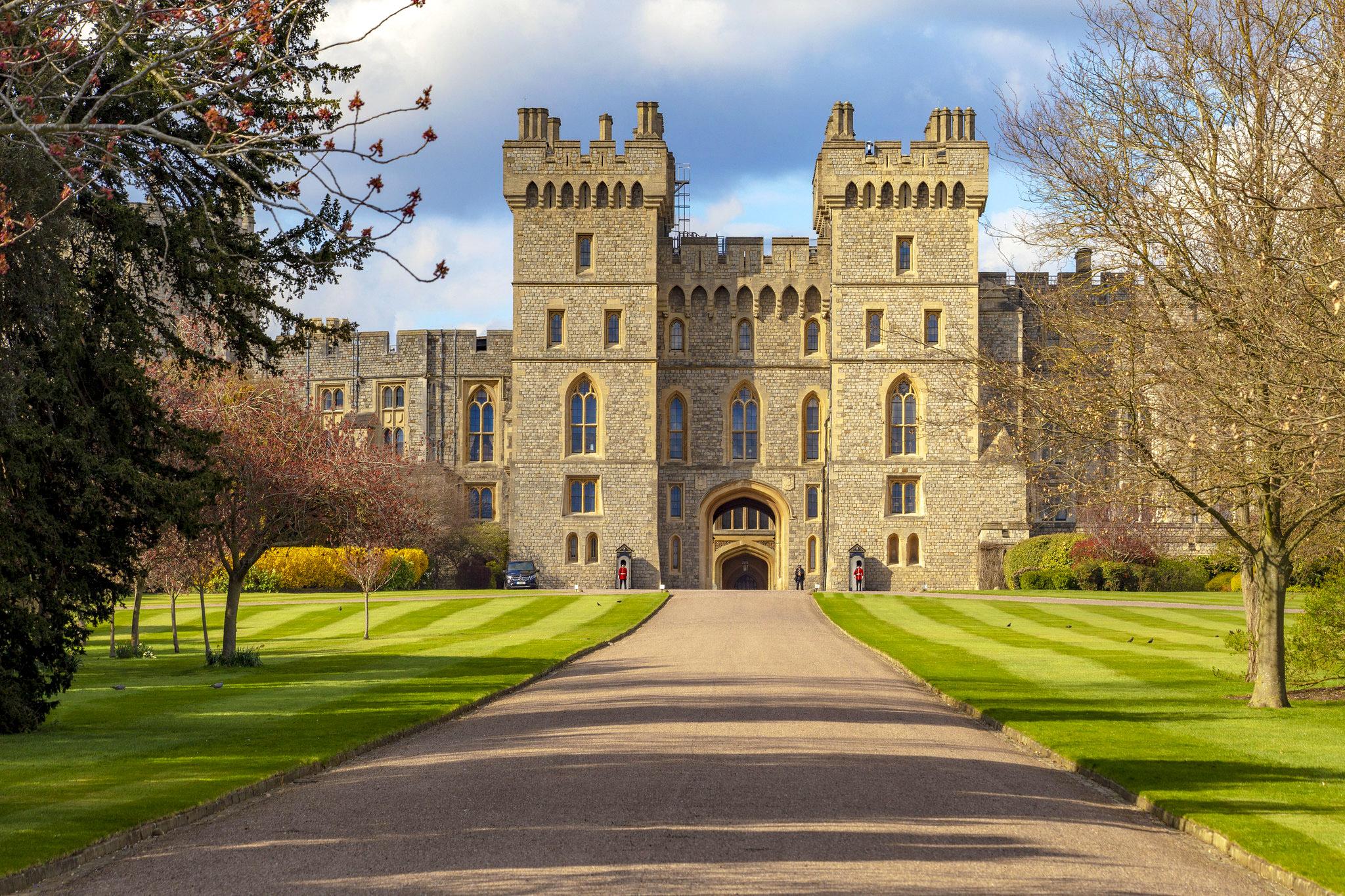 Windsor Castle by Steve Mantell.jpg
