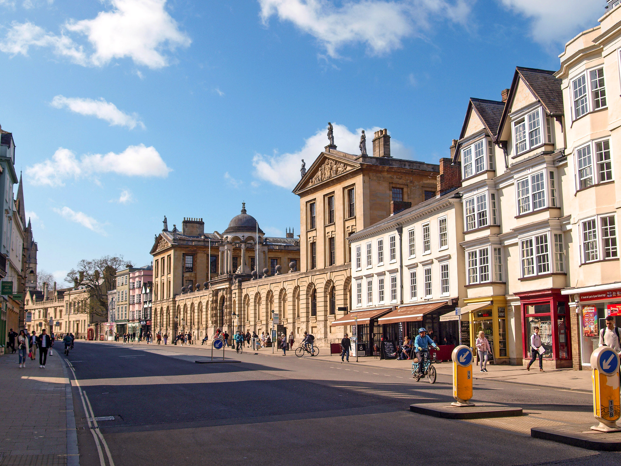 The High, Oxford, looking towards Queen's College by Andrew S Brown.jpg