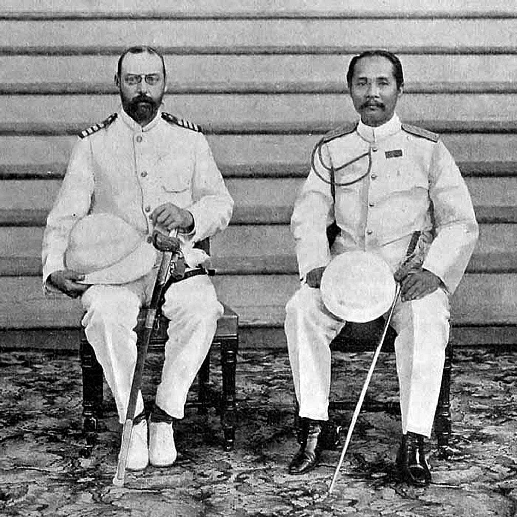 1900 HRH Chulalongkorn welcomes Danish Crown Prince Prins Valdemar.jpg