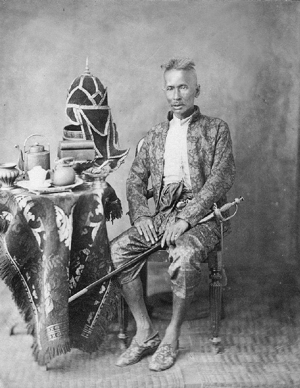 1900 Mum Rachadie, Chief of The Foreign Police {under Chulalongkorn}.jpg
