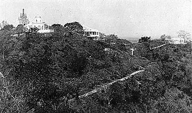 1900 The Royal Palace at Petchaburi 02.jpg