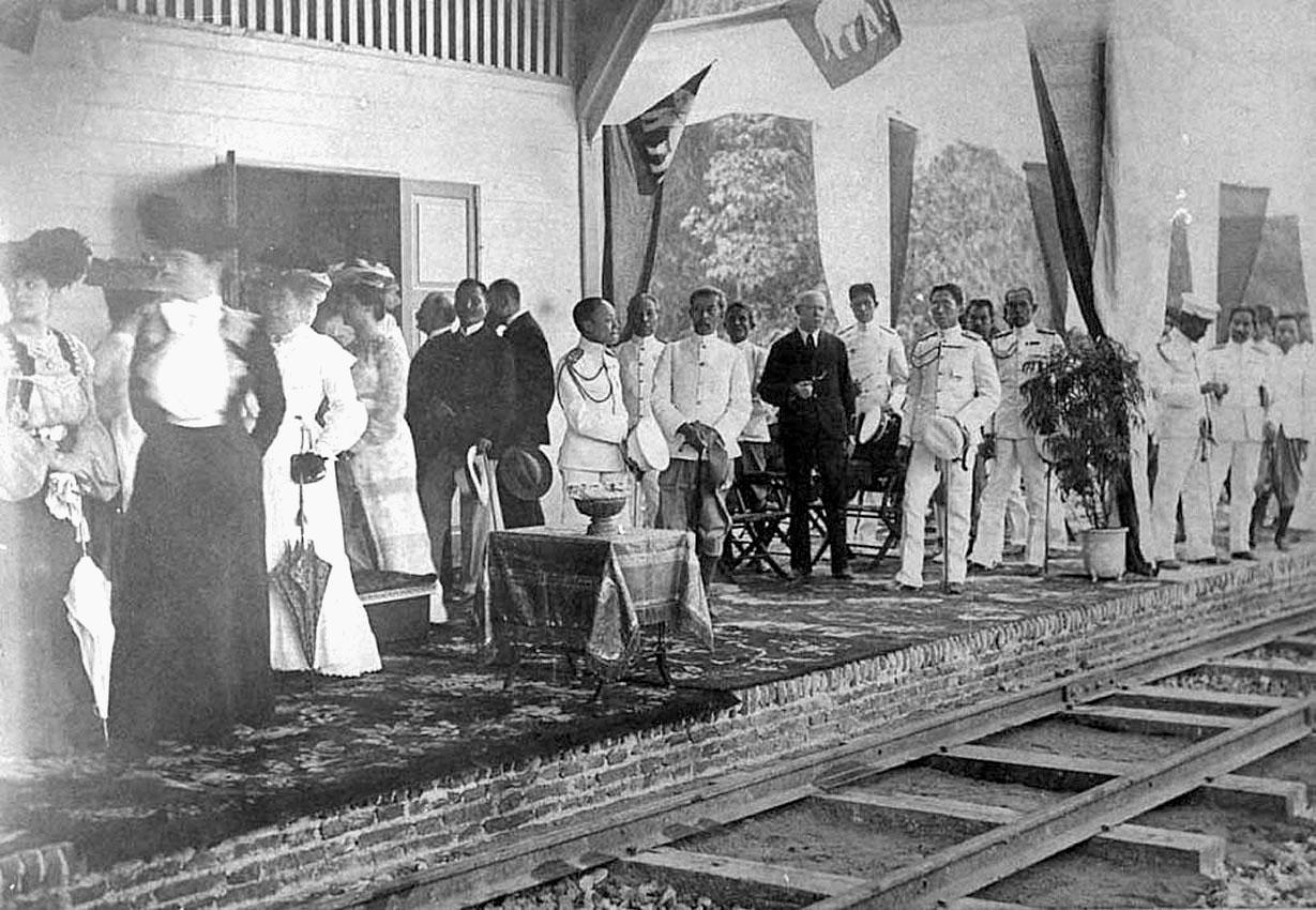 1904 Prince Vajiravudh opens the Tachin railway line.jpg