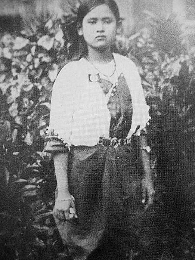 An adolescent Princess Srinagarindra {Sangwal Chuukramol} Nonthaburi Province.jpg