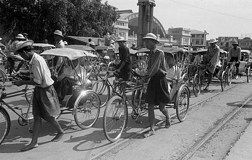 1950 Hua Lamphong Station 02.jpg