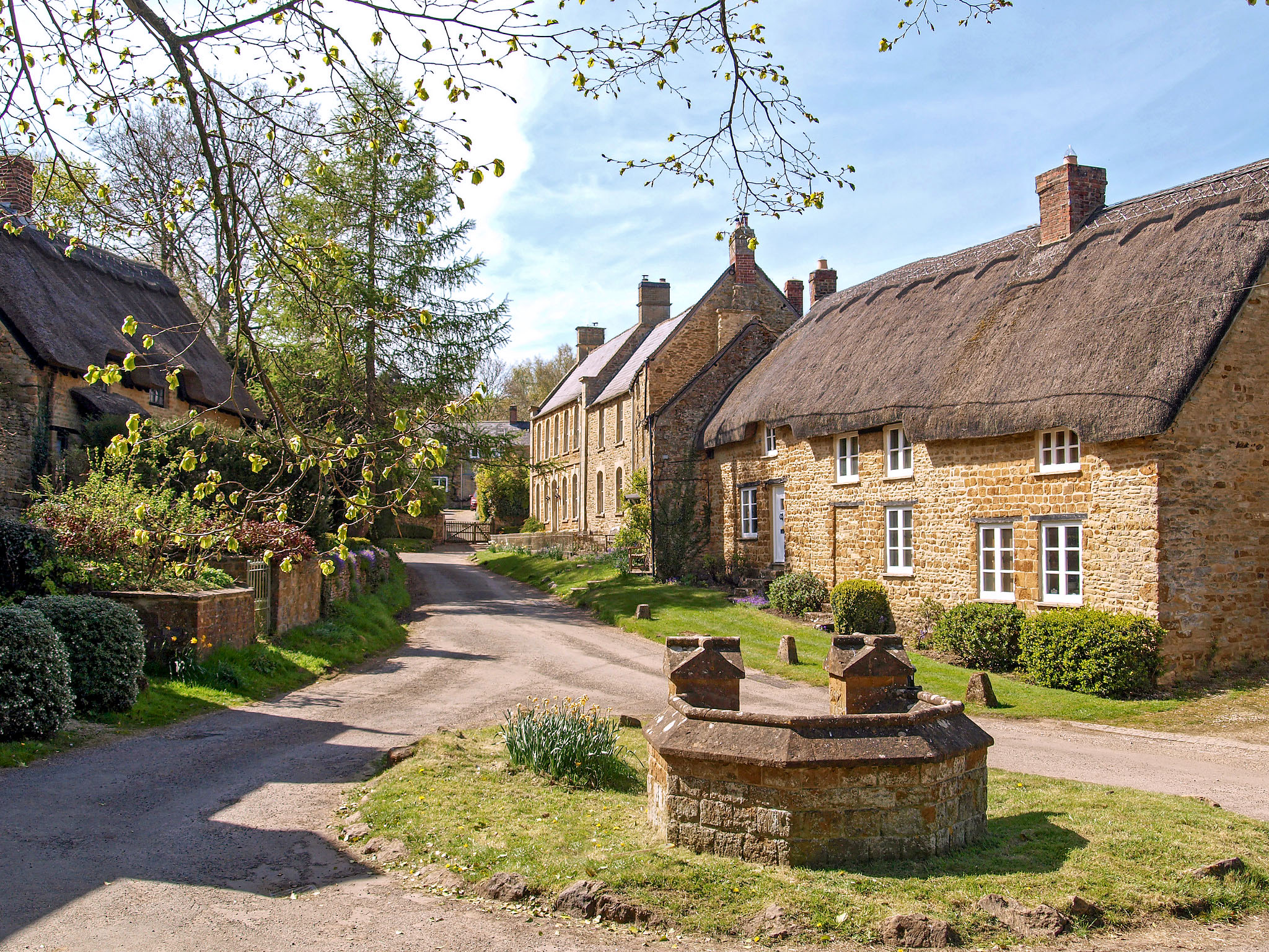 Off the beaten track Ledwell, Oxfordshire by Andrew S Brown.jpg
